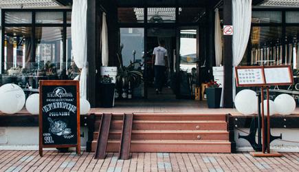 Winkels en horeca moeten toegankelijker worden voor mensen met beperking.